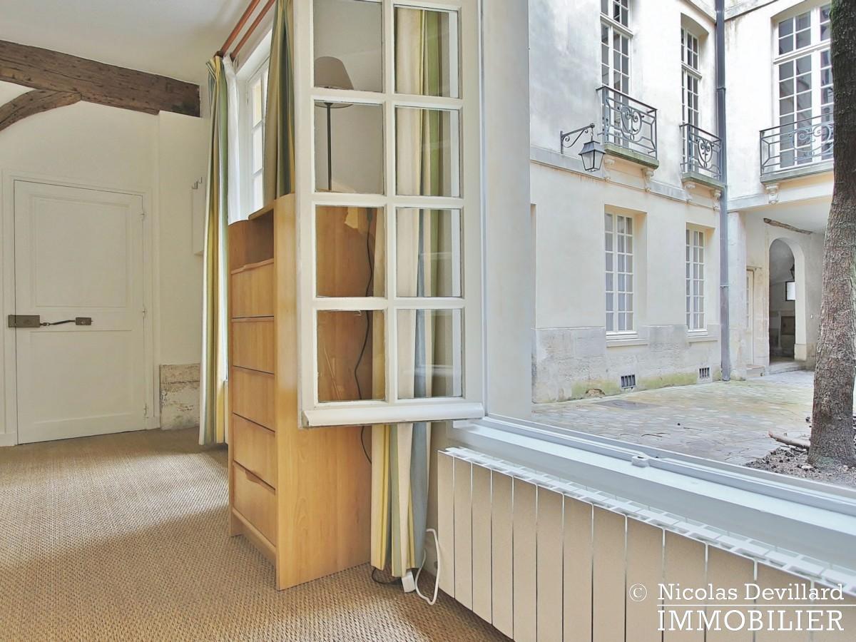 MaraisPlace des Vosges – Joli studio dans un hôtel particulier – 75004 Paris (12)