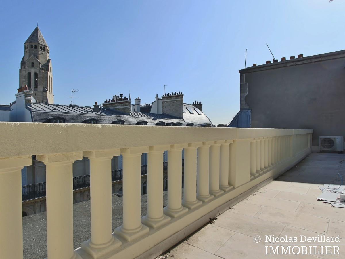 Pierre 1er de SerbieMarceau – Dernier étage rénové avec terrasse – 75116 Paris (30)