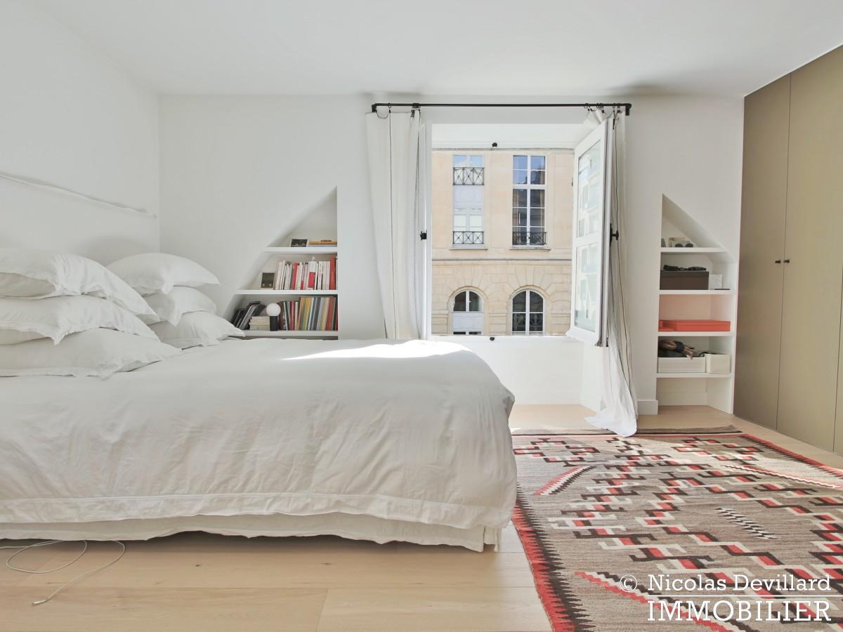 Varenne – Superbement rénové, très lumineux et charme pur – 75007 Paris (1)