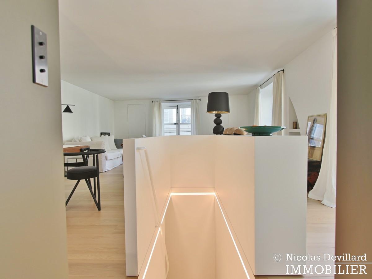Varenne – Superbement rénové, très lumineux et charme pur – 75007 Paris (12)