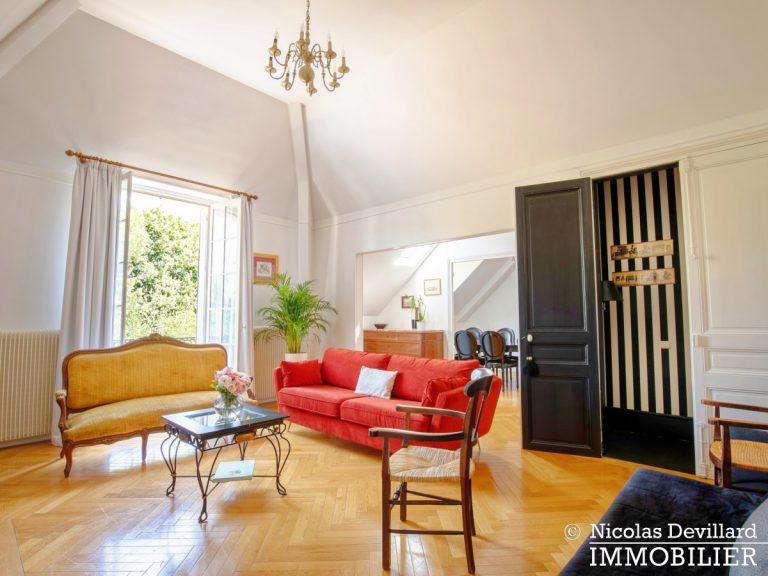 VersaillesMontreuil – Dernier étage et beaux volumes dans un hôtel particulier – 78000 Versailles (16)