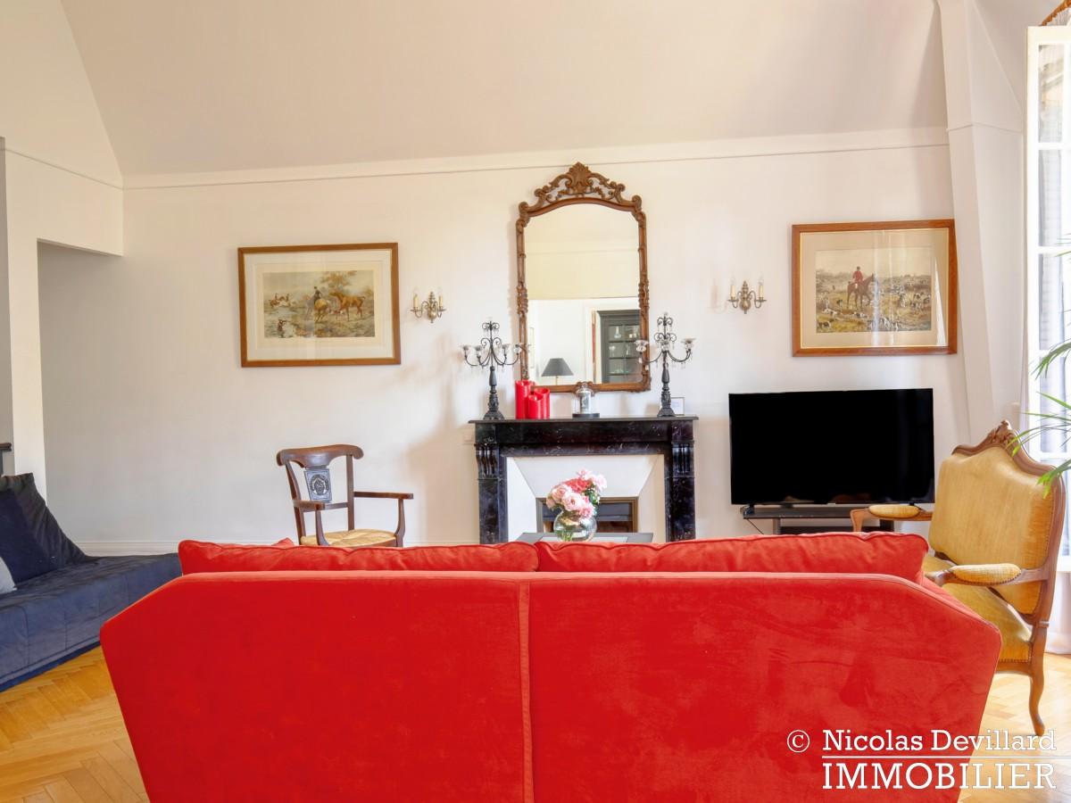VersaillesMontreuil – Dernier étage et beaux volumes dans un hôtel particulier – 78000 Versailles (18)