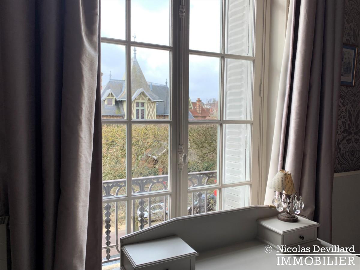 VersaillesMontreuil – Dernier étage et beaux volumes dans un hôtel particulier – 78000 Versailles (26)