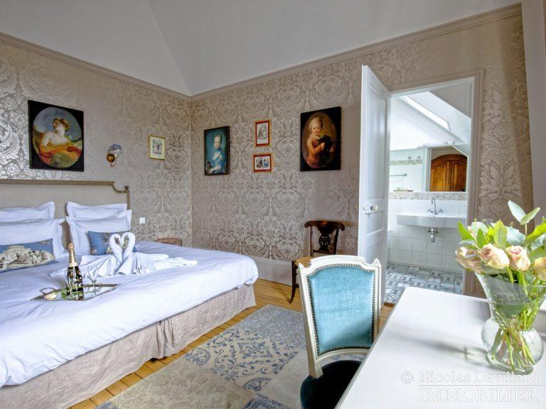 VersaillesMontreuil – Dernier étage et beaux volumes dans un hôtel particulier – 78000 Versailles (3)