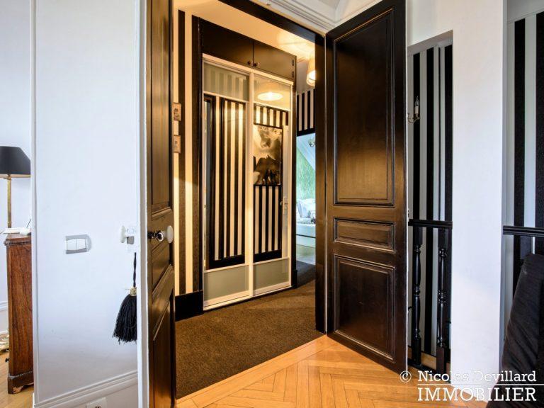 VersaillesMontreuil – Dernier étage et beaux volumes dans un hôtel particulier – 78000 Versailles (4)