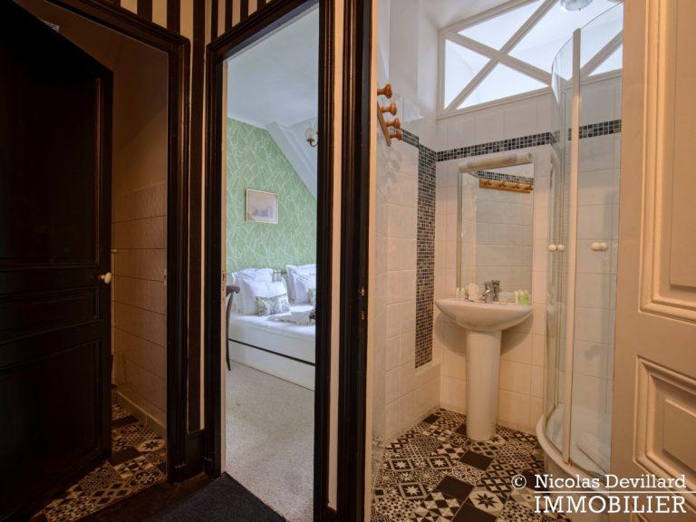 VersaillesMontreuil – Dernier étage et beaux volumes dans un hôtel particulier – 78000 Versailles (5)
