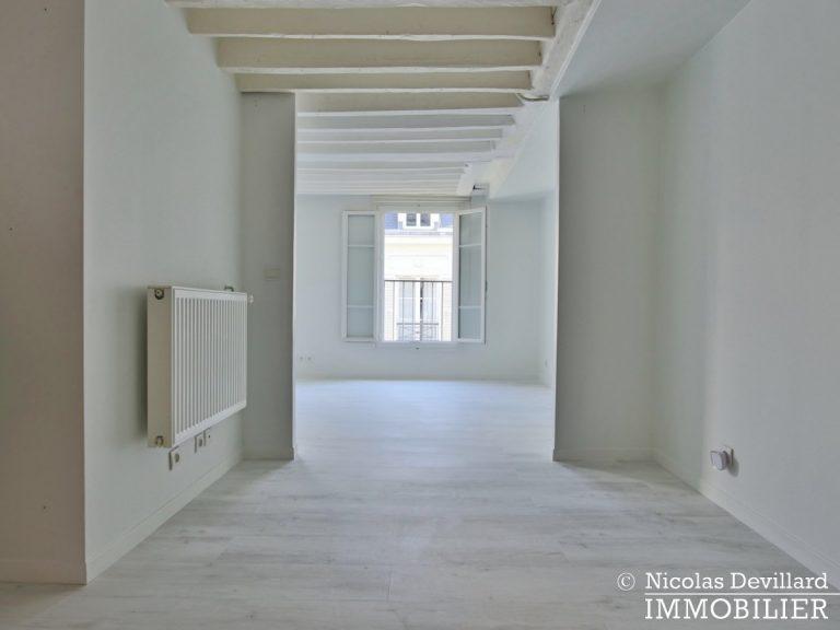 BoëtieMiromesnil – Poutres, lumière et balcon - 75008 Paris (16)