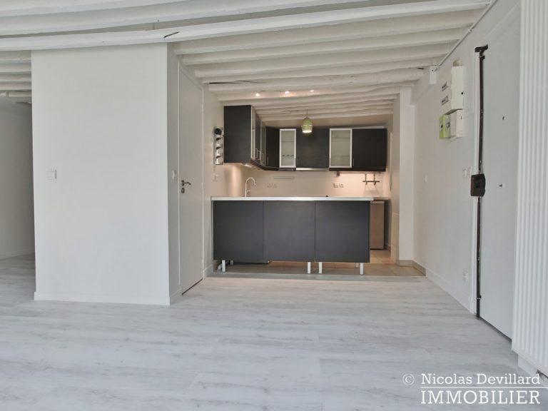 BoëtieMiromesnil – Poutres, lumière et balcon - 75008 Paris (19)