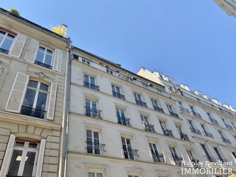 BoëtieMiromesnil – Poutres, lumière et balcon - 75008 Paris (2)