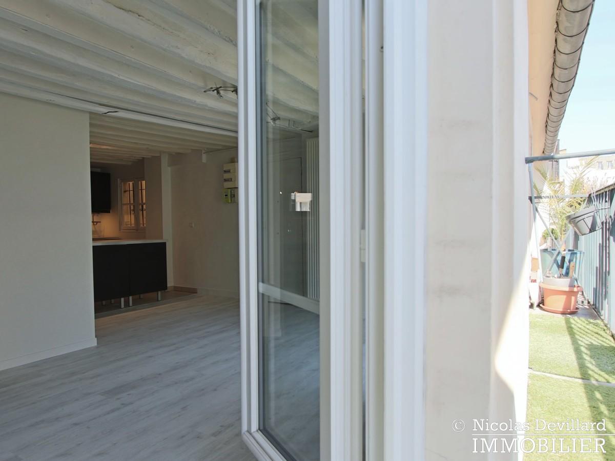 BoëtieMiromesnil – Poutres, lumière et balcon 75008 Paris (7)