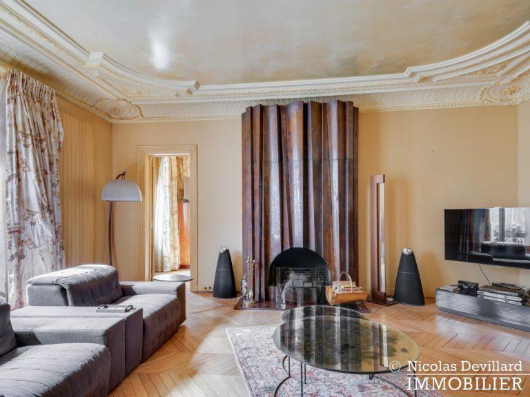 Triangle d'OrMontaigne – Vaste haussmannien de réception avec deux suites – 75008 Paris (24)