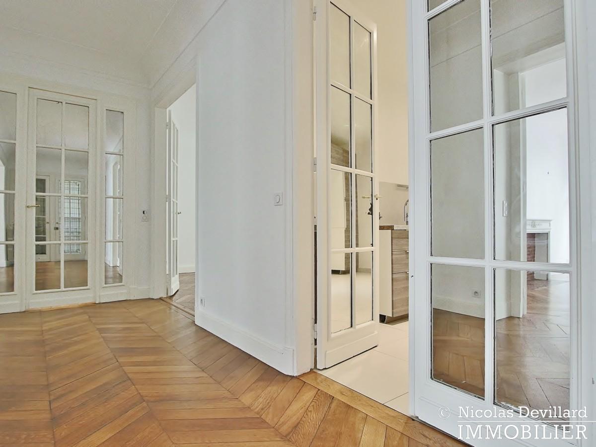 Victor HugoLongchamp – Grand classique haussmannien familial et réception – 75116 Paris (19)