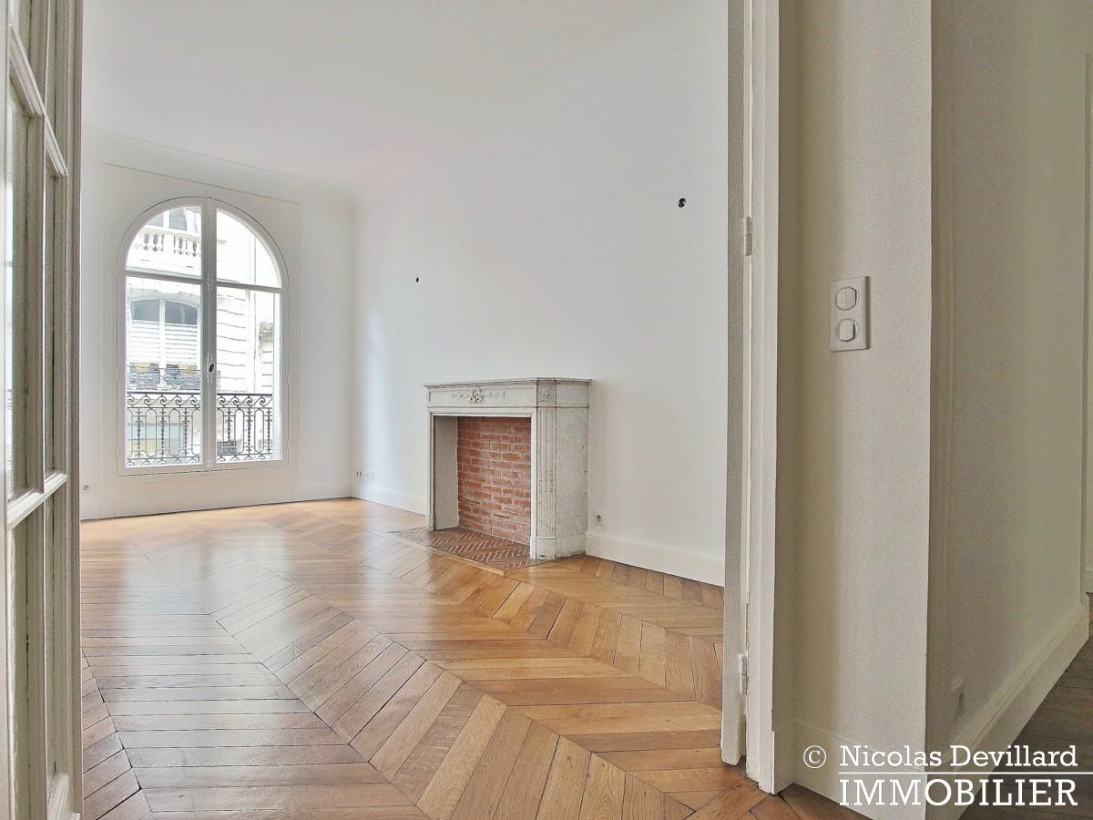 Victor HugoLongchamp – Grand classique haussmannien familial et réception – 75116 Paris (36)