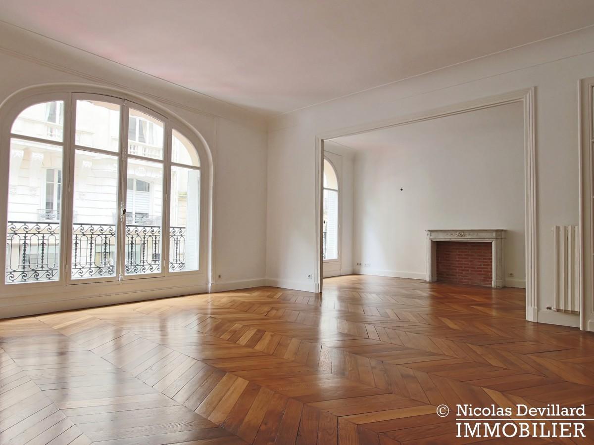 Victor HugoLongchamp – Grand classique haussmannien familial et réception – 75116 Paris (6)