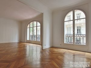 Victor HugoLongchamp – Grand classique haussmannien familial et réception – 75116 Paris (7)