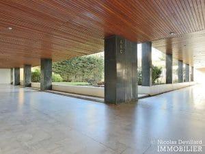 Convention – Dernier étage, terrasse, plein soleil et rénové – 75015 Paris (2)