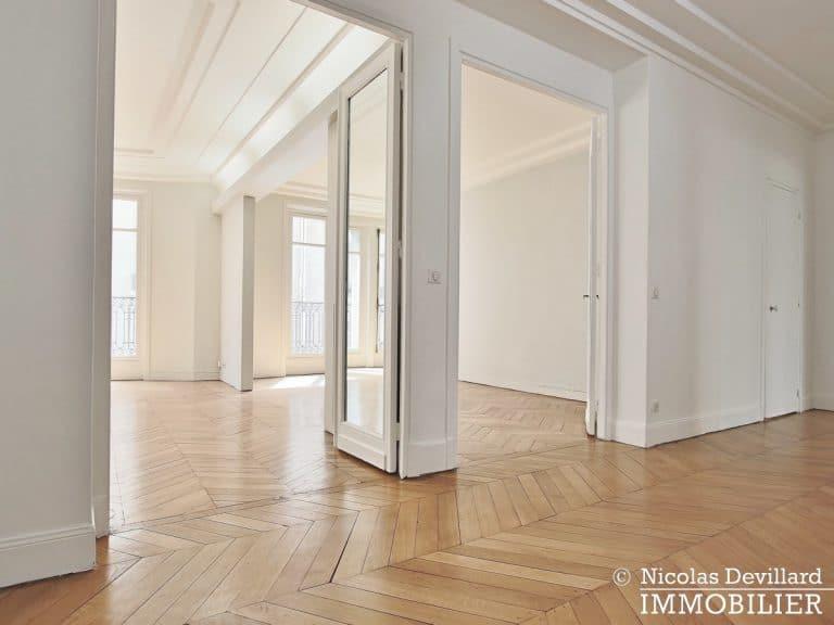 Victor HugoLongchamp – Grand classique haussmannien plein soleil – 75116 Paris (1)