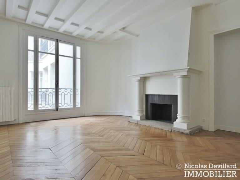 Victor HugoLongchamp – Grand classique haussmannien plein soleil – 75116 Paris (15)