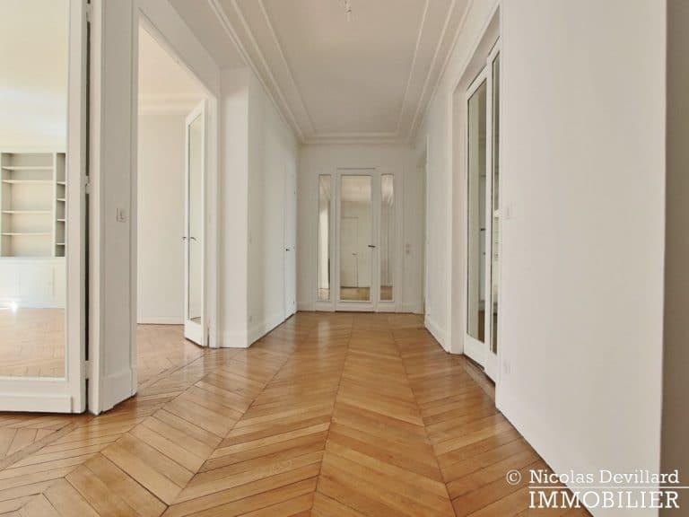 Victor HugoLongchamp – Grand classique haussmannien plein soleil – 75116 Paris (2)