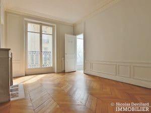 Victor HugoLongchamp – Grand classique haussmannien plein soleil – 75116 Paris (28)
