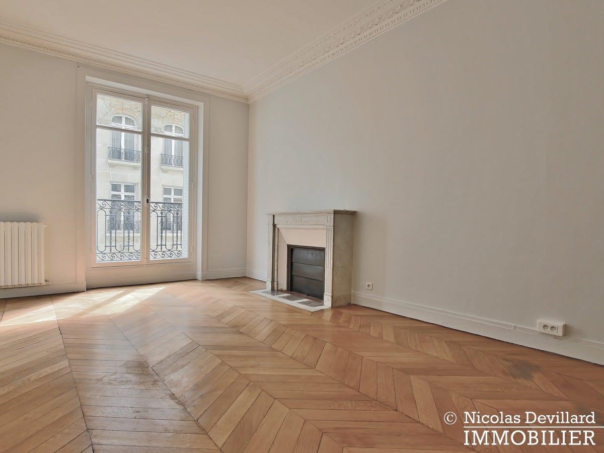Victor HugoLongchamp – Grand classique haussmannien plein soleil – 75116 Paris (29)