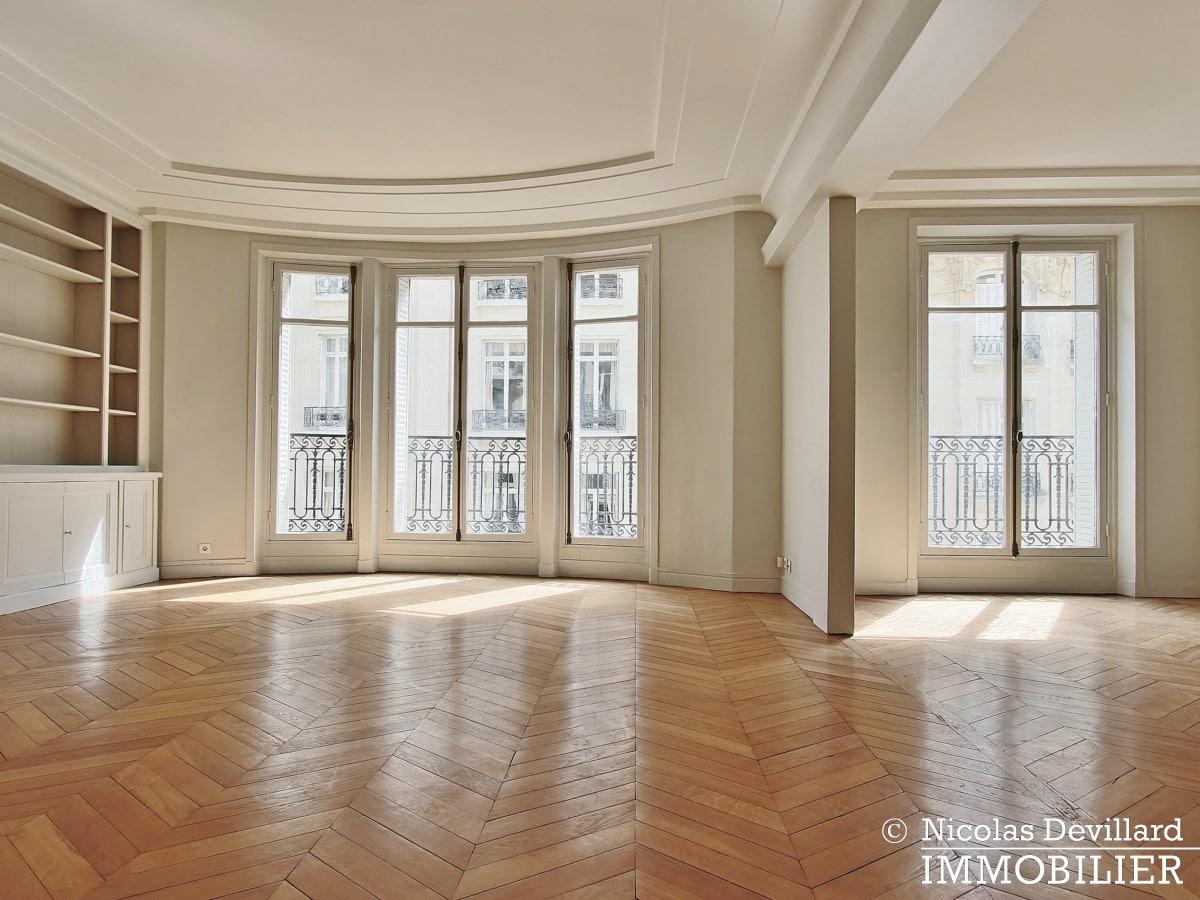 Victor HugoLongchamp – Grand classique haussmannien plein soleil – 75116 Paris (30)