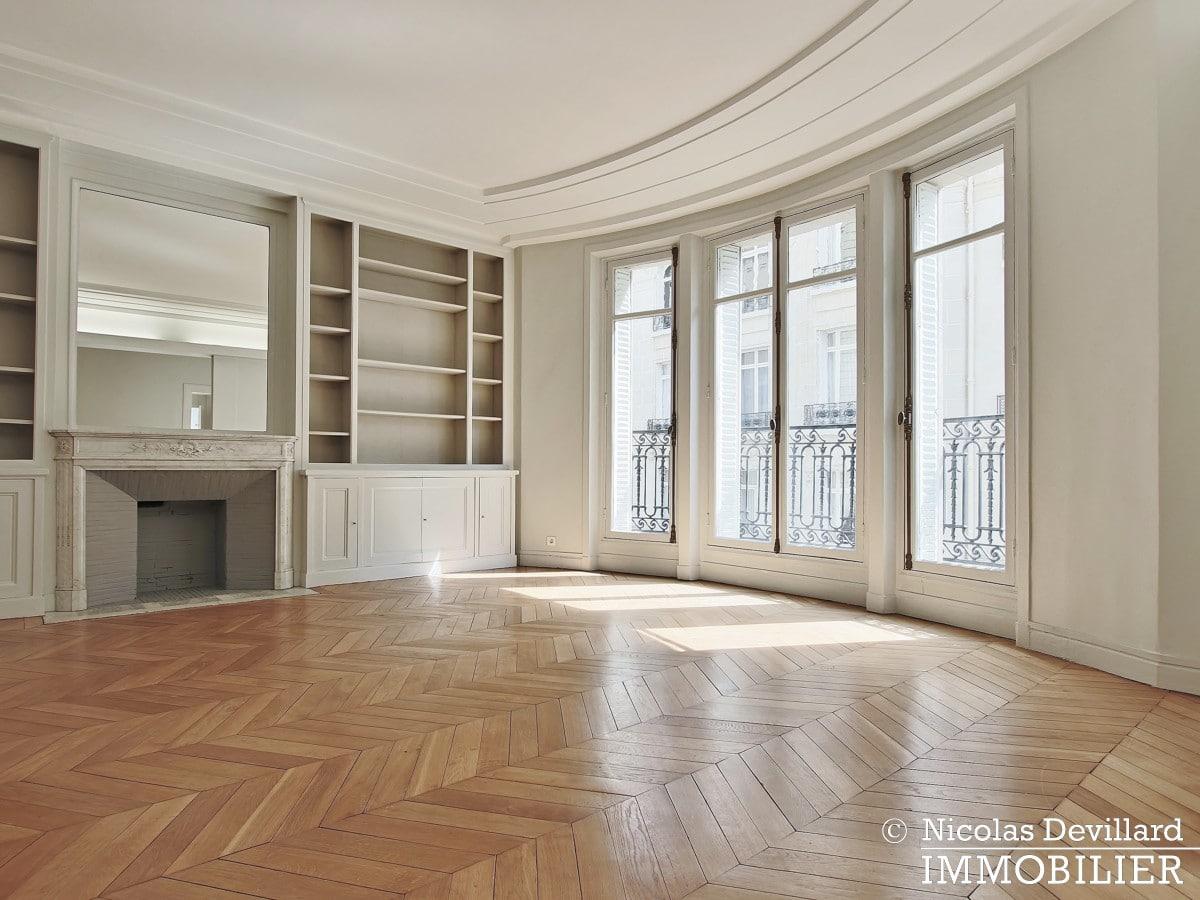 Victor HugoLongchamp – Grand classique haussmannien plein soleil – 75116 Paris (5)