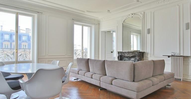 Avenue George V – Très bel haussmannien, grands volumes et balcon – 75008 Paris (3)