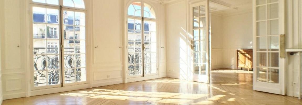LévisMonceau-–-Classique-ensoleillé-sur-les-arbres-–-75017-Paris-41
