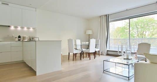 PassyKennedy-–-Rénové-grand-salon-et-vue-sur-jardin-–-75016-Paris-33