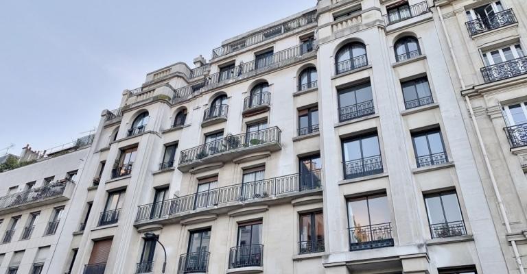 Square-des-EpinettesJonquière-–-Appartement-3-pièces-bien-situé-et-à-rénover-–-75017-Paris-3