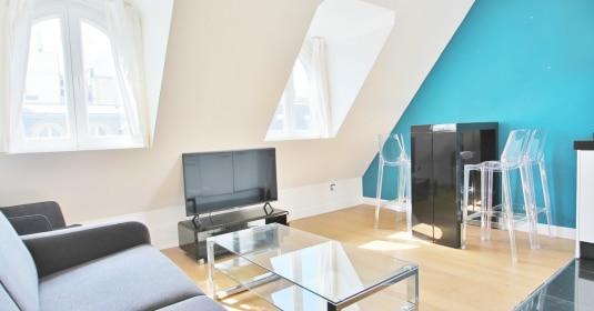 Triangle d'Or – Rénové, soleil, dernier étage et climatisation – 75008 Paris (5)