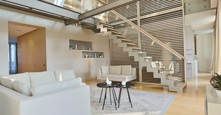 Triangle-d'OrMontaigne-–-Luxueux-duplex-au-dernier-étage-–-75008-Paris-1