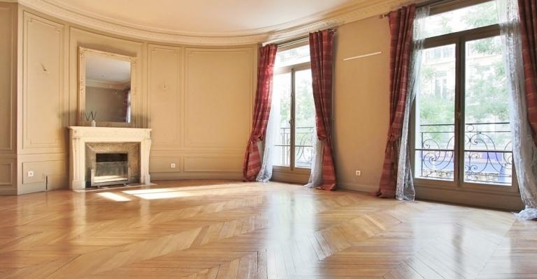 TrocadéroVictor-Hugo-–-Superbes-réceptions-et-vastes-chambres-–-75116-Paris-33