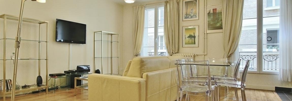 VavinLuxembourg-–-Grand-volume-au-calme-sur-cour-fleurie-–-75006-Paris-6