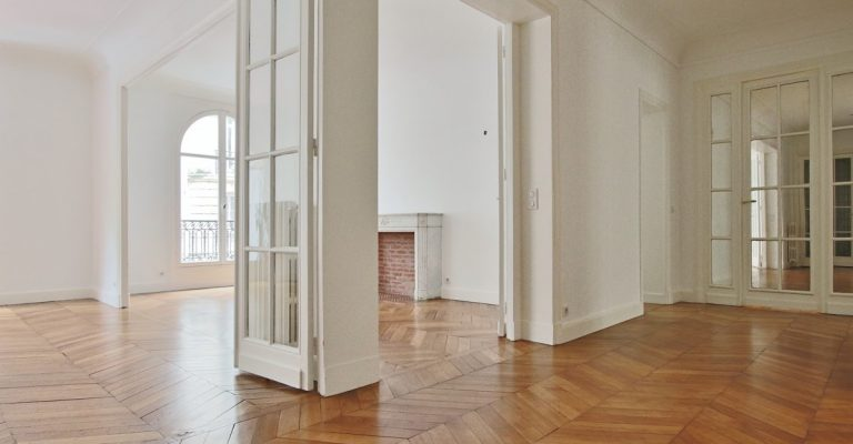 Victor HugoLongchamp – Grand classique haussmannien familial et réception – 75116 Paris (4)