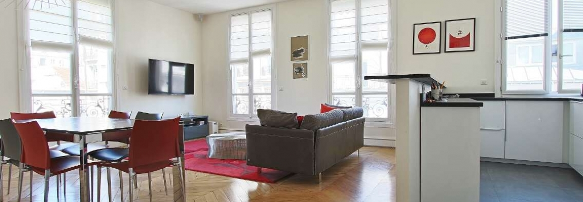 Village-de-Passy-–-Grand-salon-ensoleillé-et-rénové-–-75016-Paris-2